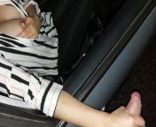 Moglie italiana lasciata in macchina per essere prestata ad un amico e farle bere la sua sborra from ber blouse