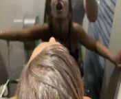 Angela Doll - je suce un mec au cinema et lui demande de m'enculer dans les WC from 18 gals 30 angela ki village girl xxx